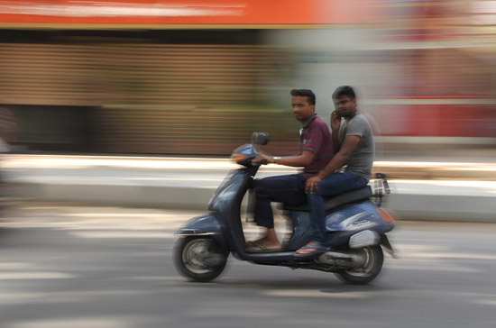 how to take panning shots canon