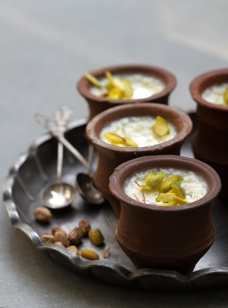 http://www.darter.in/wp-content/uploads/2015/04/Saffron-Pistachio-Rice-Pudding-e1441203770576-333x450.jpg